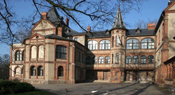 Zamek w Gołuchowie, oficyna