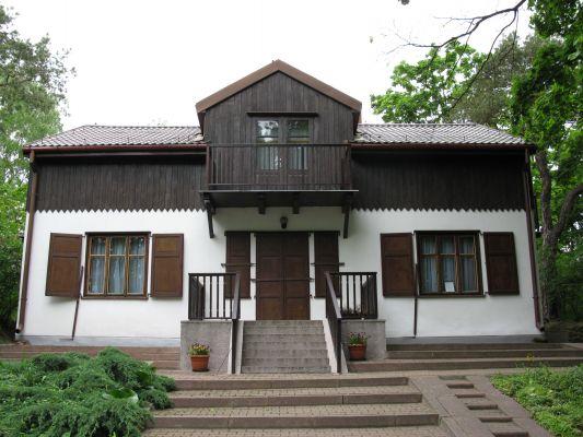 Dom nad łąkami w Wołominie - muzeum Zofii i Wacława Nałkowskich