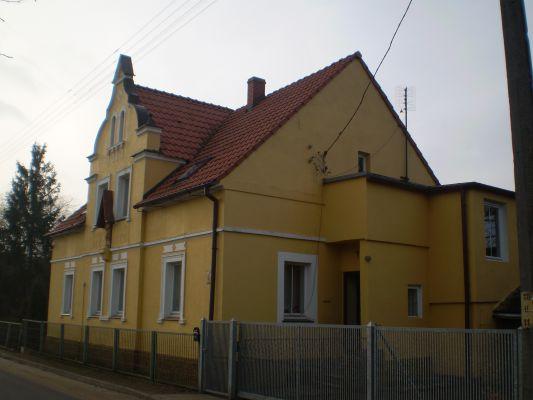 Dom św. Józefa, siedziba Jadwiżanek w Kwielicach
