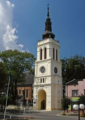 Neobarokowa wieża kościelna - Uniejów