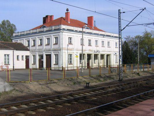 Budynek dworca kolejowego w Słupcy