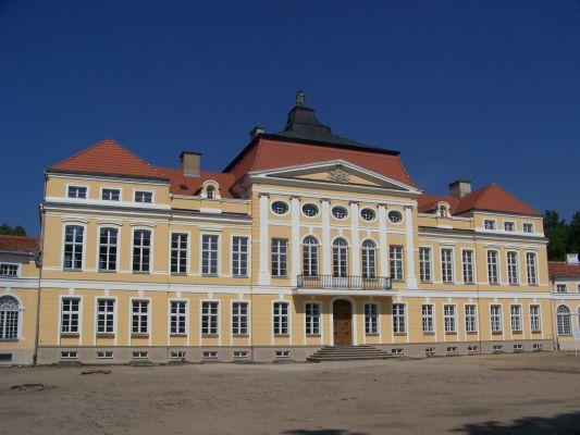 Pałac w Rogalinie - front