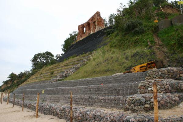 Ruiny kościoła w Trzęsaczu - zabezpiecznie