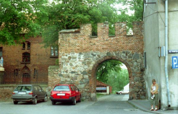 Brama kamienna w Chełmży