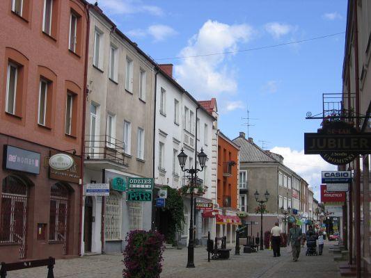 Ulica Dworna w Łomży. Główny deptak w mieście.