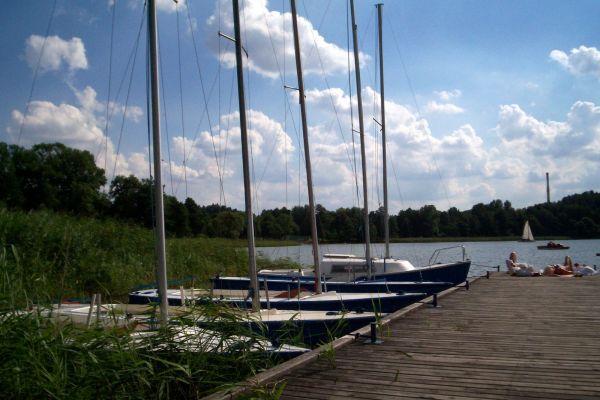 Przystań na jeziorze Kortowskim koło Olsztyna