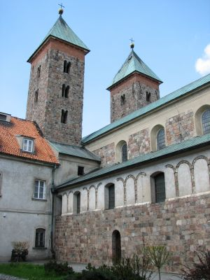 Kościół romański w Czerwińsku nad Wisłą