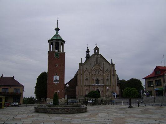 Rynek, fasada kościoła św. Jana Chrzciciela w Proszowicach
