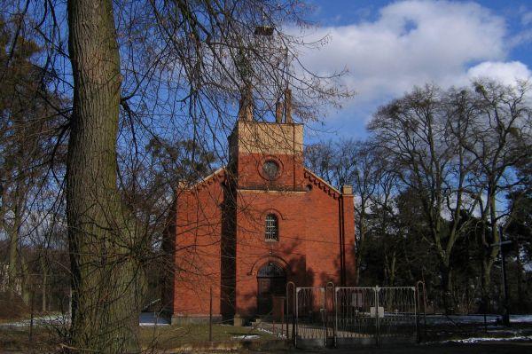 Kościół p.w. św. Apostołów Piotra i Pawła w Skokach