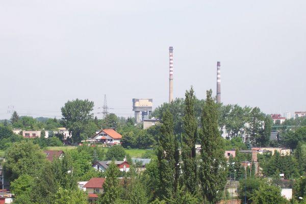"""Katowice - Brynów, w tle kopalnia """"Wujek"""""""