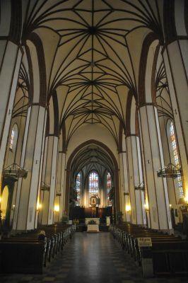 Wnętrze Bazyliki Archikatedralnej św. Jana Chrzciciela w Warszawie