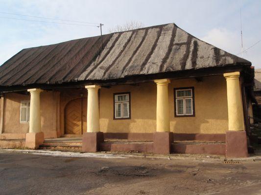 Dom z podcieniami przy ul. Biskupiej w Sławkowie