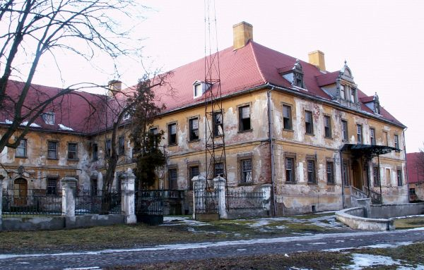 Pałac w Dalkowie z XVII w.
