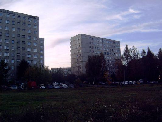 Bloki mieszkalne przy ul. Ossowskiego na Osiedlu Witosa w Katowicach