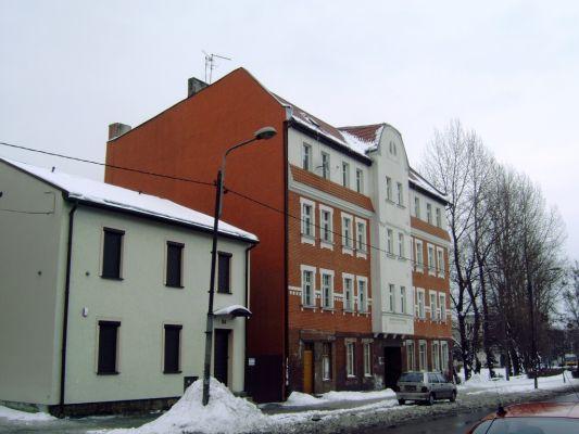 Kamienica przy ul. Hallera w Burowcu
