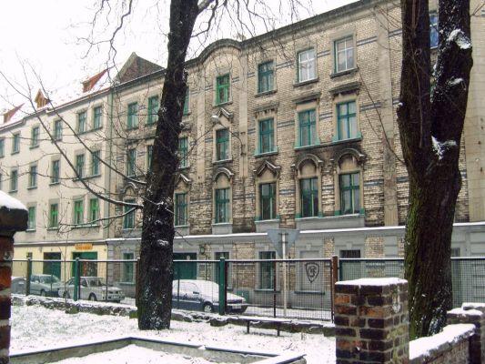 Zabytkowe kamienice w Dąbrówce Małej (Katowice) przy ul. Stacyjnej