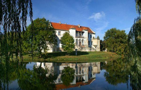 Zamek w Szydłowcu z loggią renesansową
