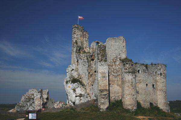 Mirów - widok zamku od strony wschodniej