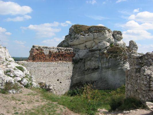 Fragmenty murów olsztyńskiego zamku