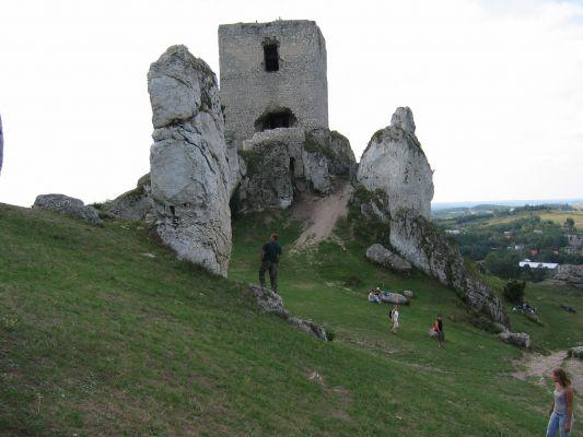 Kwadratowa wieża zamku w Olsztynie