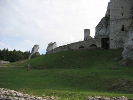 Ogrodzieniec - wejście do zamku