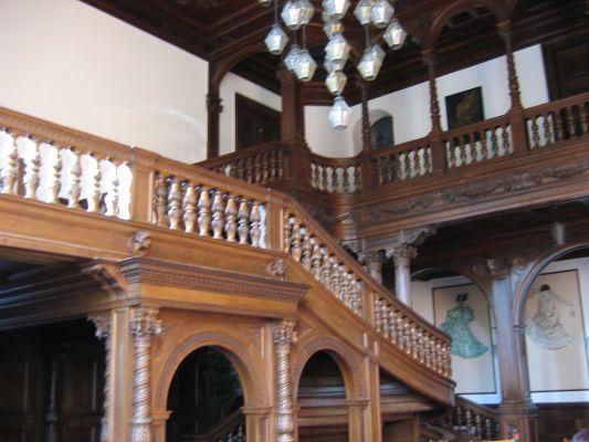 Pałac w Mosznej, schody nad restauracją