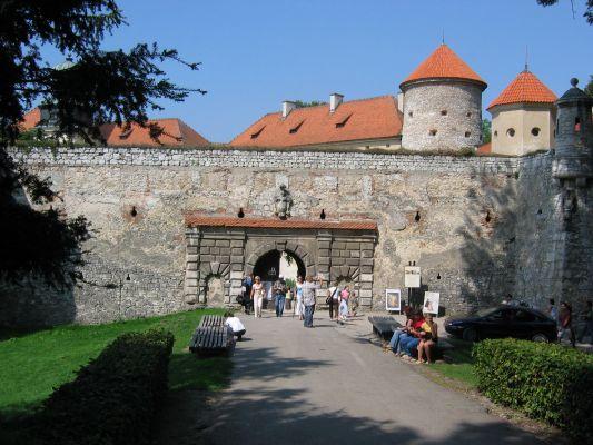 Pieskowa Skała - brama