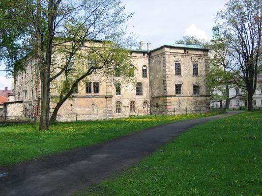 Stary Zamek w Żywcu przed renowacją 2004r