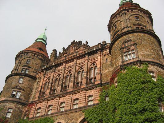 Zachodnia fasada zamku w Książu