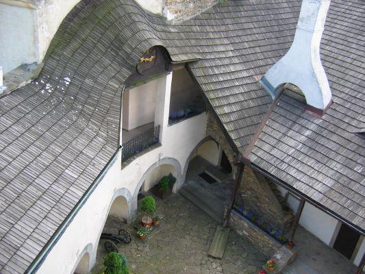 Zamek w Niedzicy - widok na dziedziniec