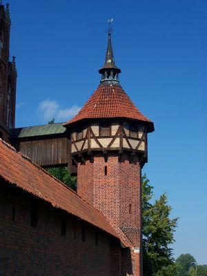 Baszta Kurza Stopa broniąca zamku średniego w Malborku