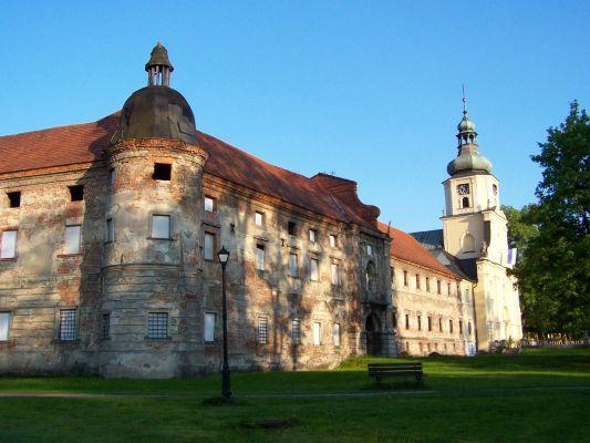 Kościół i zabudowania poklasztorne w Rudach