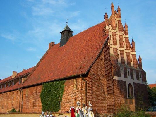 Kościół pw. św. Wawrzyńca w obrębie zamku niskiego w Malborku.