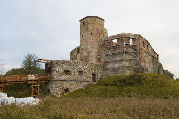 Ruiny zamku biskupów krakowskich w Siewierzu
