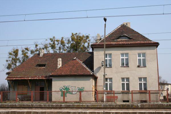 Budynek stacji kolejowej w Boronowie