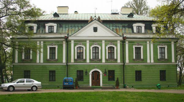 Pałac w Rybnej w 2008r