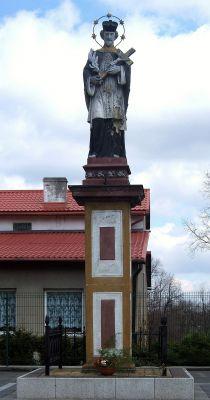 Figura św. Jana Nepomucena z XIX wieku w Sośnicowicach