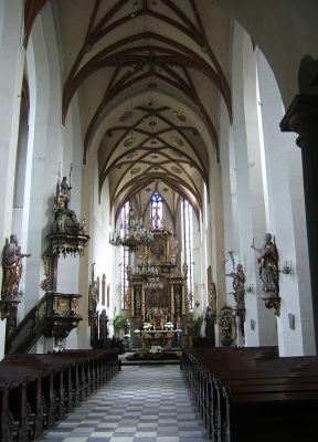 Nawa główna kościoła Wszystkich Świętych w Gliwicach