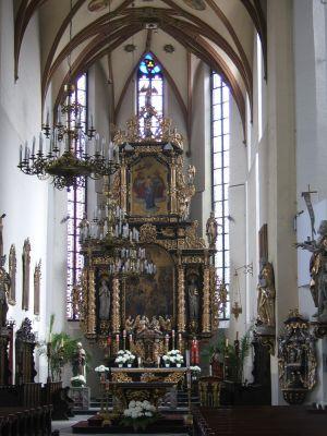 Póżnorenesansowy ołtarz główny (2. tercja XVII w.) w kościele Wszystkich Świętych w Gliwicach