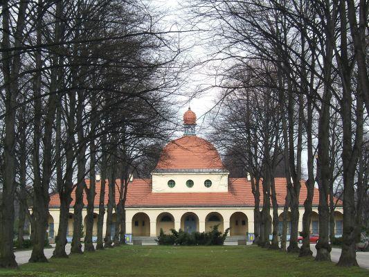 Wojska Polskiego - Cmentarz Centralny