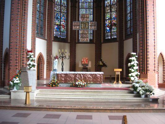 Kościół św. Piotra i Pawła w Katowicach - ołtarz