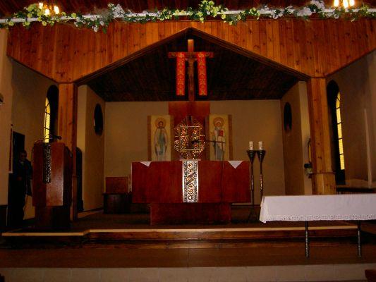 Wnętrze kościoła św. Cyryla i Metodego w Załęskiej Hałdzie