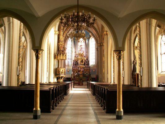 Wnętrze kościoła św. Wojciecha w Radzionkowie