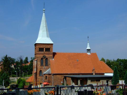 Brzezinka – Kościół św. Jadwigi