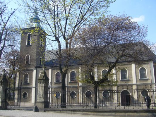 Kościół św. Trójcy w Bielsku-Białej. Widok od ul. Sobieskiego
