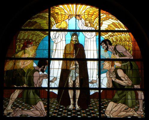 Witraż przedstawiający Wniebowstąpienie w katedrze w Bielsku-Białej