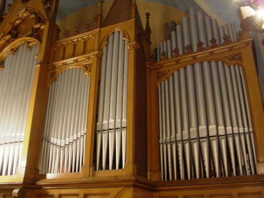 Wnętrze kościoła Zbawiciela w Bielsku-Białej - organy