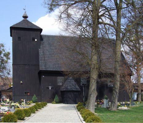 Drewniany kościól we wsi Jamy koło Gorzowa Śląskiego