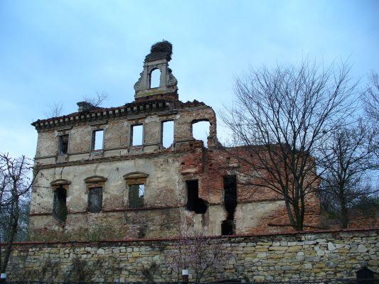 Ruiny zamku w Ujeździe
