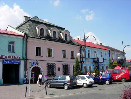 Muzeum zegarów słonecznych przy rynku w Jędrzejowie
